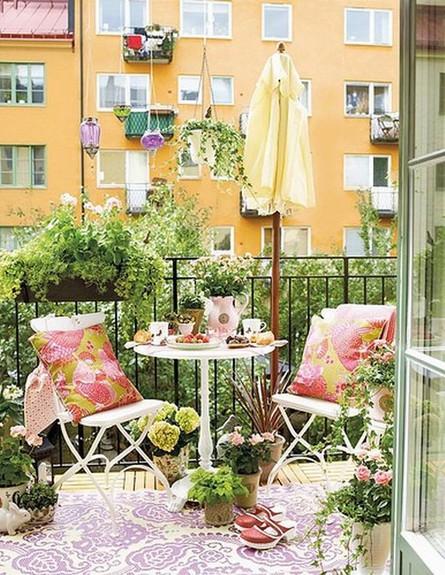 מרפסת, גינון כסאות (צילום: www.79ideas.com)