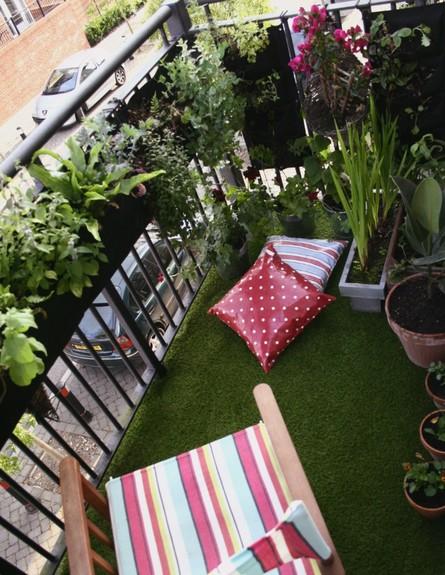 מרפסת, ריצוף דשא צילום גיא סער (צילום: גיא סער)