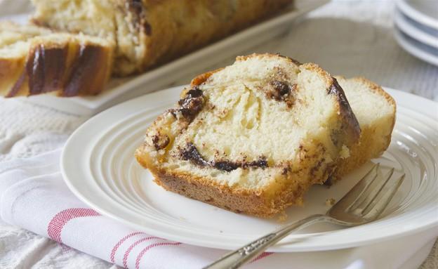 עוגת שמרים במילוי חלבה ושוקולד מריר (צילום: נטלי לוין, אוכל טוב)