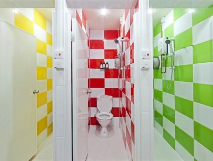 הוסטלים, סינגפור שירותים (צילום: hejorama.com)