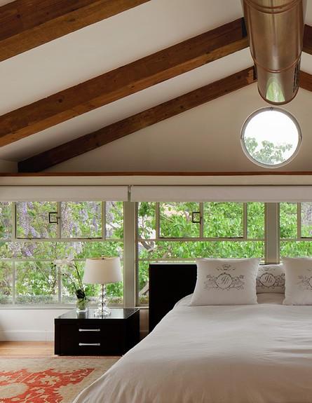 טלי רוזנשטיין, חדר שינה שטיח (צילום: אלעד שריג)