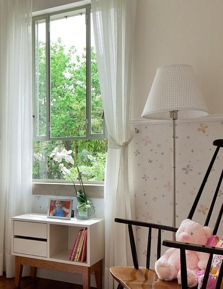 טלי רוזנשטיין, חדר תינוק כיסא נדנדה (צילום: אלעד שריג)