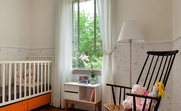 טלי רוזנשטיין, חדר תינוק (צילום: אלעד שריג)