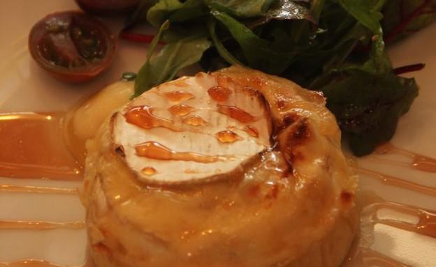 כיכר קממבר אפויה של מסעדת טופולינו (צילום: שי גיני,  יחסי ציבור )