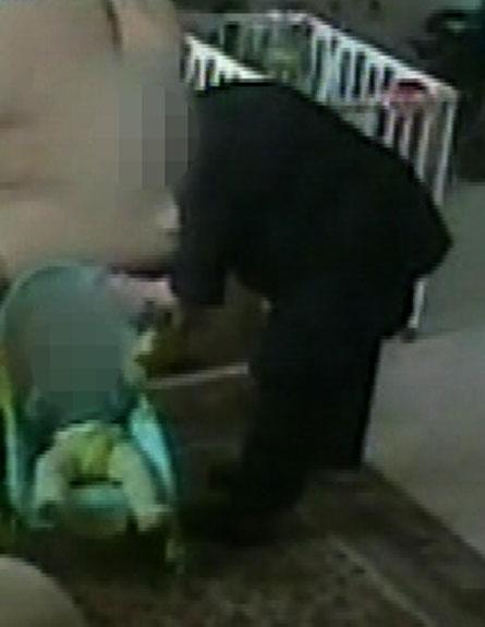 מפאת גילה, שוחררה האישה לביתה בתנאים מגבילים (צילום: חדשות 2)