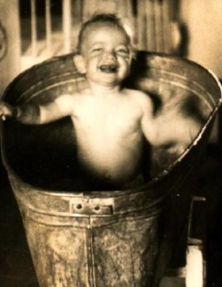 נוסטלגיה, ילד בפיילה (צילום: www.nostal.co.il)