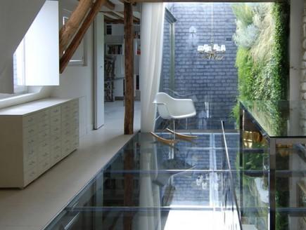דירה בפריז, רצפה שקופה חדר עבודה