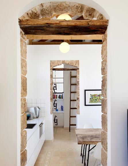 בית בסלמה, מטבח לבן (צילום: בועז לביא)