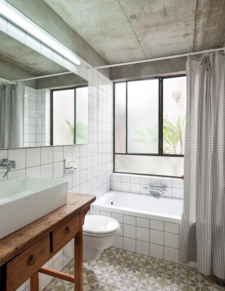 בית בסלמה, אמבטיה (צילום: בועז לביא)
