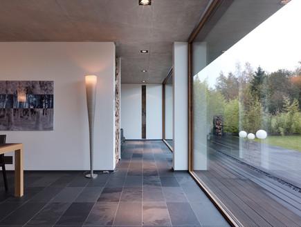 בלגיה בית ונוי, מסדרון חלון