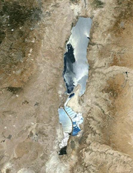 ים הולך ונעלם. צפו בכתבה המלאה (צילום: Google Earth)
