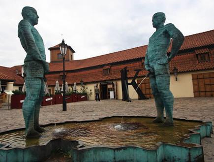מונומנטים הכי גאים בעולם, kafka_museum_prague