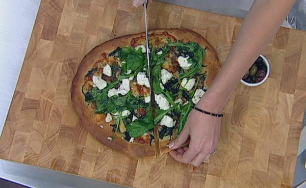 פיצה ביאנקה עם תרד וריקוטה (תמונת AVI: mako)