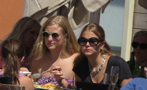 אסתי גינזבורג, עדי קייזמן, האחות והבת (צילום: ברק פכטר)