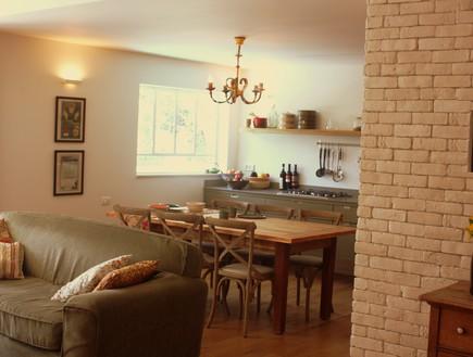 טל גוטהילף, מטבח מהסלון, צילום יעל גולן