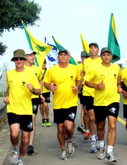 """רץ עם החיילים, האלוף יאיר גולו (צילום: דו""""צ)"""