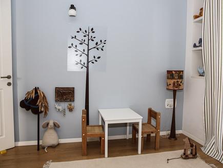 מירי דנקנר, חדר ילדים שולחן