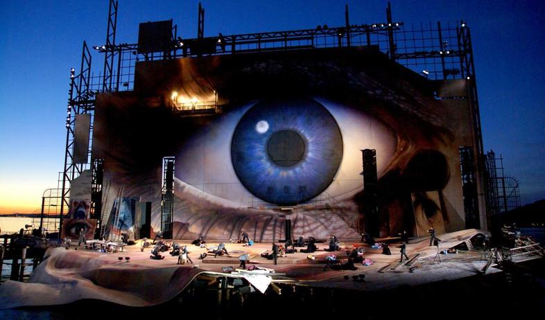 אופרה על המים, עין גדולה (צילום: wanibani.de)