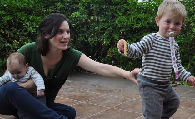 נועה יחיאלי והילדים (צילום: טל לירן)