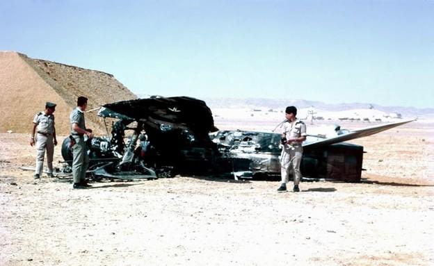 מטוס מצרי שהופל בששת הימים (צילום: יחזקאל (חזי) רחמים, ויקיפדיה)