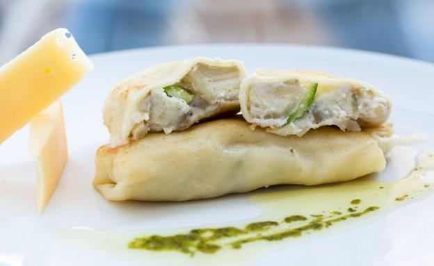 בלינצ'ס עם מלית גבינות וארטישוק (צילום: בני גם זו לטובה, אוכל טוב)