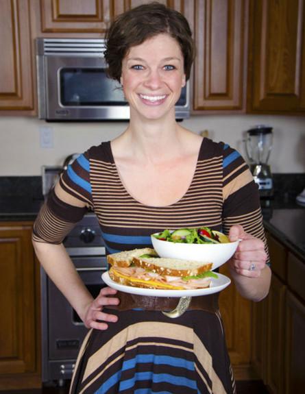 חמישייה 20.5, צלחת אישה (צילום: www.kickstarter.com)