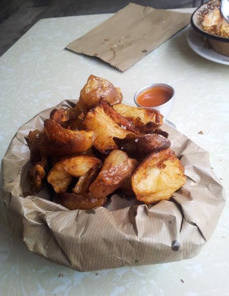 מסעדת זכאים, צ'יפס קרוע ביד (צילום: דנה בר-אל שוורץ, אוכל טוב)