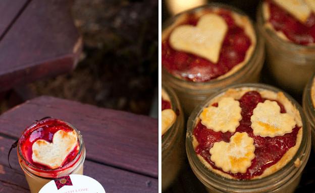 עוגות אישיות לחתונה (צילום: צילום מסך מהאתר greenweddingshoes.com)