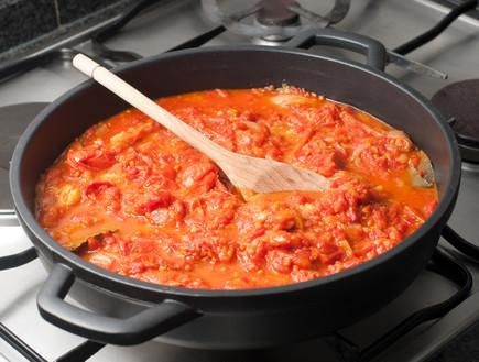 רוטב עגבניות מעולה (צילום: Alejandro Salvador Mir, Istock)