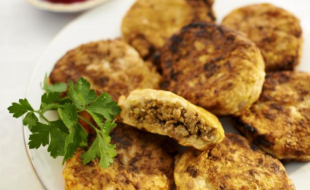 קובה תפוחי אדמה במילוי בשר טחון (צילום: מוטי פישביין, הבישול העיראקי של אמא, הוצאת קוראים)