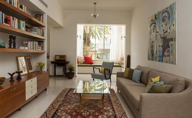 דירת באוהאוס, סלון שולחן (צילום: אביב קורט)