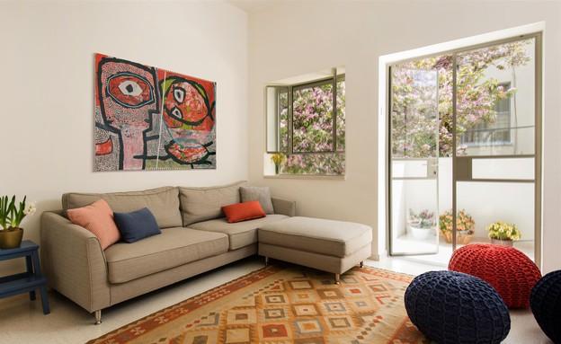 דירת באוהאוס, סלון שטיח (צילום: אביב קורט)