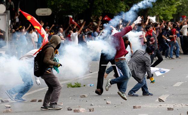 ארדואן מוכן להיפגש עם המפגינים (צילום: רויטרס)