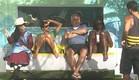 הדיירים על הנדנדה (תמונת AVI: mako)