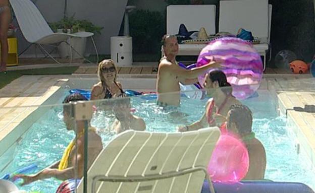 מסיבת הבריכה (תמונת AVI: mako)