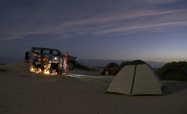 לישון מתחת לכוכבים צילום THINKSTOCK (צילום: אימג'בנק / Thinkstock)