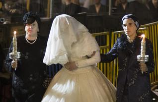 הכלה החרדית בדרך לחתונה צילום גטי (צילום: Uriel Sinai, GettyImages IL)