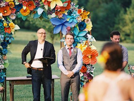 paper-flower-weddingחופות מעוצבות, פרחי נייר אנשים (צילום: paper-flower-wedding)