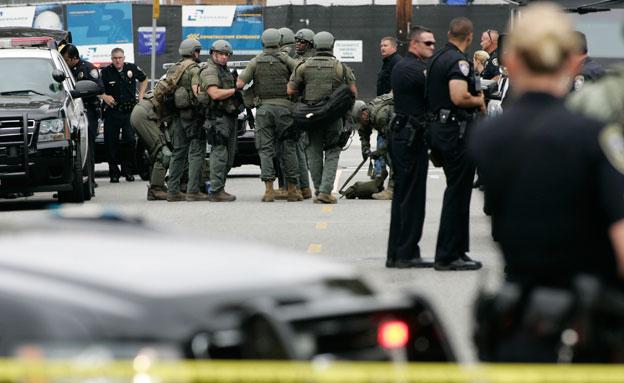 זירת האירוע. נשמע צרור יריות (צילום: Reuters)