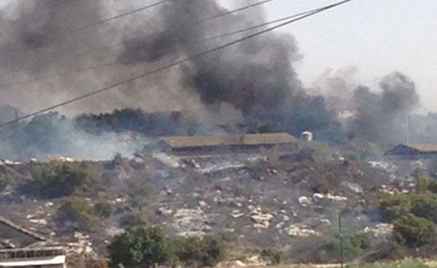 האש משתוללת, חלק מהתושבים פונו, השריפה היום (צילום: דויד קליימן)