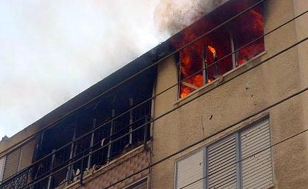 נזק רב נגרם לבניין, ארכיון (צילום: חדשות 2)
