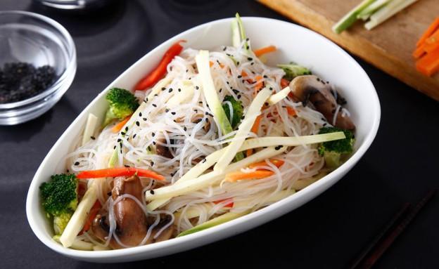 אטריות שעועית עם ירקות (צילום: אפיק גבאי, אוכל טוב)