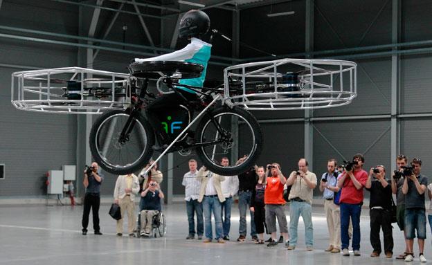אופניים מרחפות (צילום: חדשות 2)