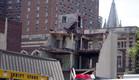 קריסת הבניין בפילדלפיה (צילום: Jessica Kourkounis, GettyImages IL)