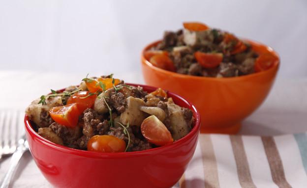 תבשיל בשר עם ארטישוק ותפוחי אדמה (צילום: אפיק גבאי, אוכל טוב)