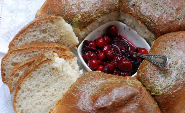 לחם בשעה (צילום: פאולין שובל, האתר של פאולין שובל)