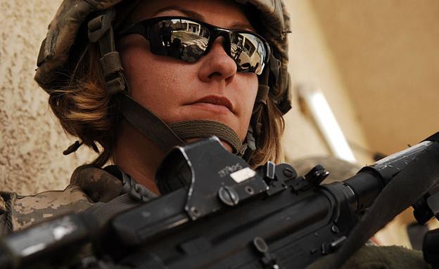 חיילת לוחמת (צילום: צבא ארצות הברית)
