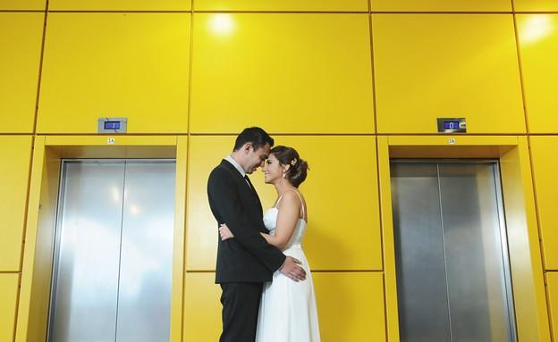 חתונה באיקאה, מעלית (צילום: טאצ' סטודיו)