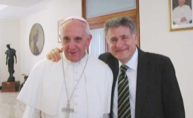 האפיפיור במפגש עם הרב סקורקה (צילום: חדשות 2)