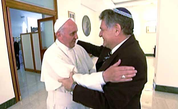 יחס חם ליהודים (צילום: חדשות 2)